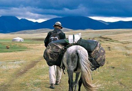 LAOS : <strong>Lost in Laos : chemins et déroutes, du nord au sud du Laos,</strong> Olivier Ka <strong>Laos, la guerre oubliée,</strong> Cyril Payen   MONGOLIE : <strong>Sous les yourtes de Mongolie, avec les fils de la steppe,</strong> Marc Alaux  NEPAL : <strong>Mustang, Royaume tibétain interdit,</strong> Michel Peissel <strong>Au sommet de l'Everest,</strong> Edmund Hillary <strong>Annapurna, premier 8000,</strong> Maurice Herzog <strong>La marche dans le ciel,</strong> Sylvain Tesson et Alexandre Poussin  SRI LANKA : <strong>Le poisson-scorpion,</strong> Nicolas Bouvier  THAILANDE : <strong>Dictionnaire insolite de la Thaïlande,</strong> Jean Baffie La trilogie d'Axel AYLWEN : <strong>Le Faucon du Siam, L'Envol du faucon, Le Dernier Vol du faucon  </strong>