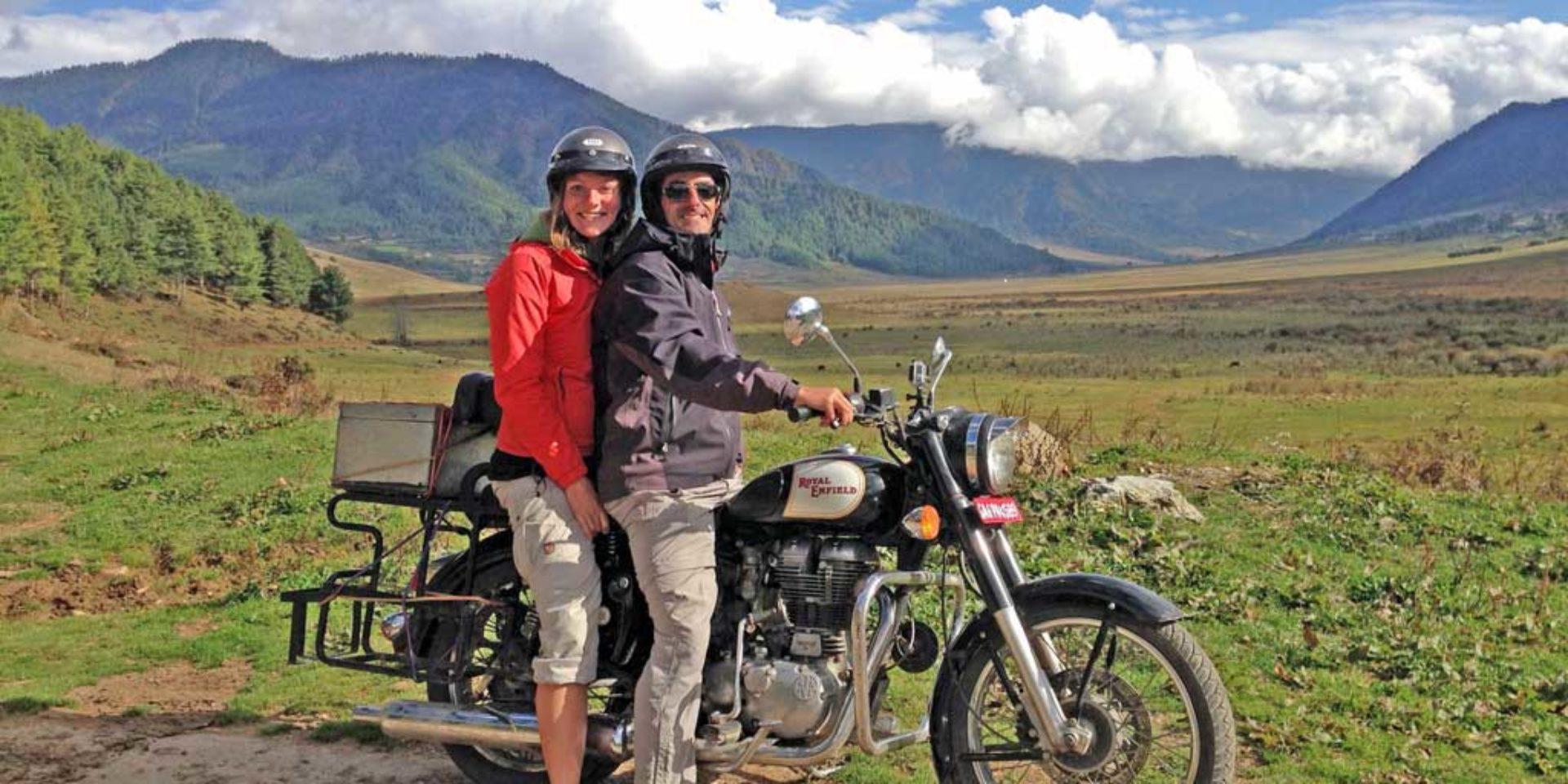 couple-on-bike_opt2