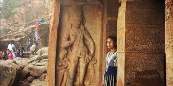badami grottes sculptees dieu art religieux