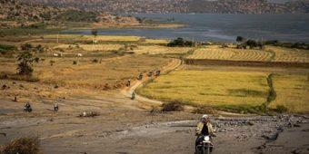 moto paysage hampi