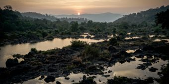 paysage inde du sud coucher de soleil riviere