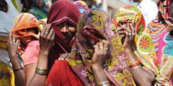 femme village sari inde madhya pradesh