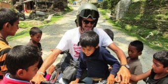 francois avec enfants sur moto