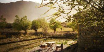 inde himalaya nubra resort hotel luxe coucher de soleil montagne
