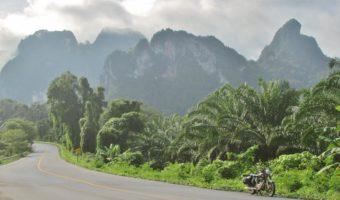 Notre rideuse Catherine Claire sur les routes de Thaïlande du Sud