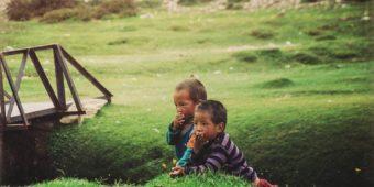 children india himalaya