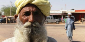 old man india himalaya
