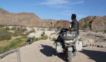 Terre Propice, le Voyage de l'Afrique à Moto de Luc Cotterelle