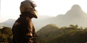 sri lanka en moto paysage motard montagne